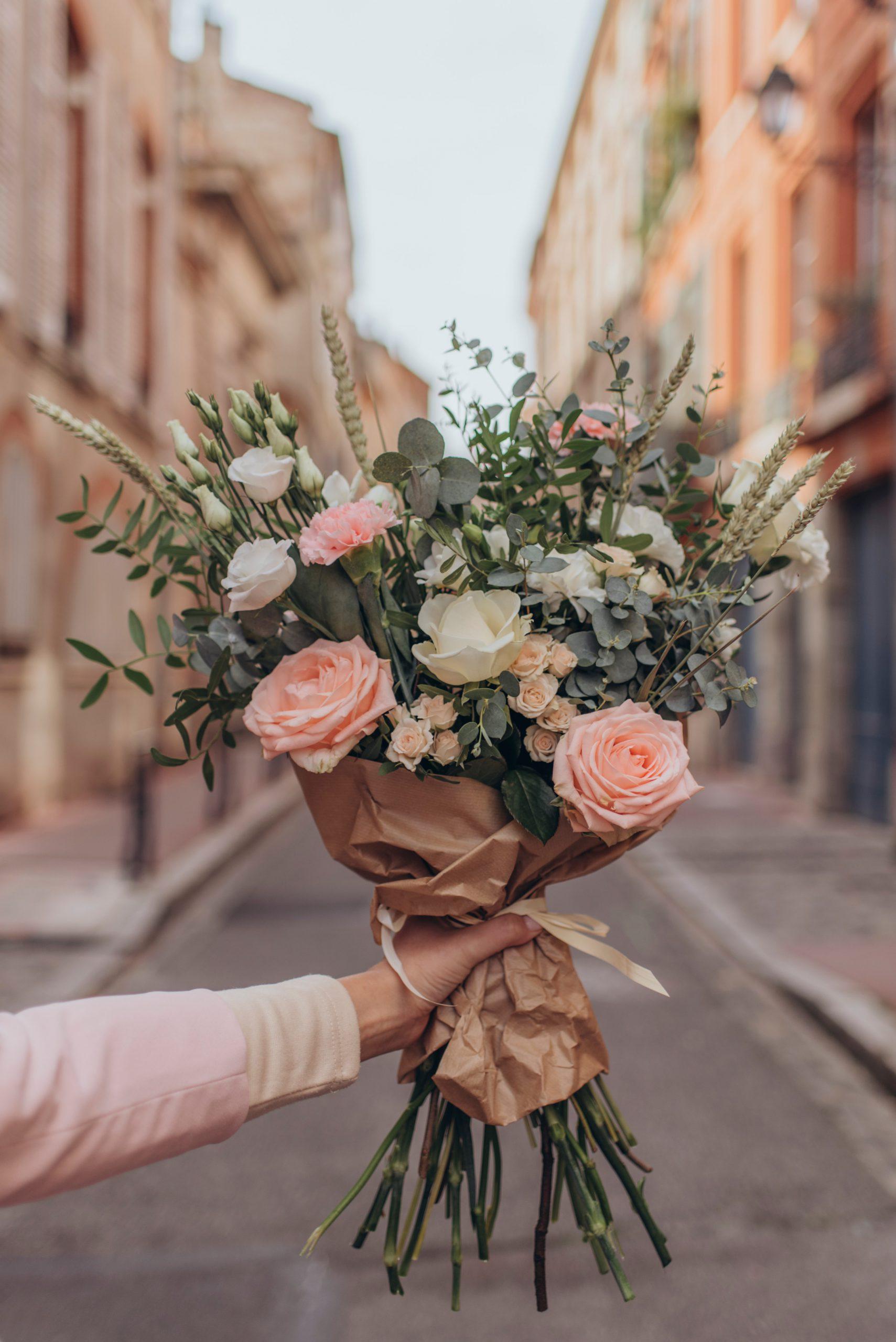 5 avantages pour la réservation et la livraison de fleurs en ligne